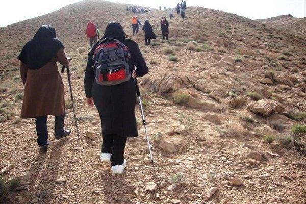 14 بانوی فیروزکوهی فاتح قله دماوند تقدیر شدند