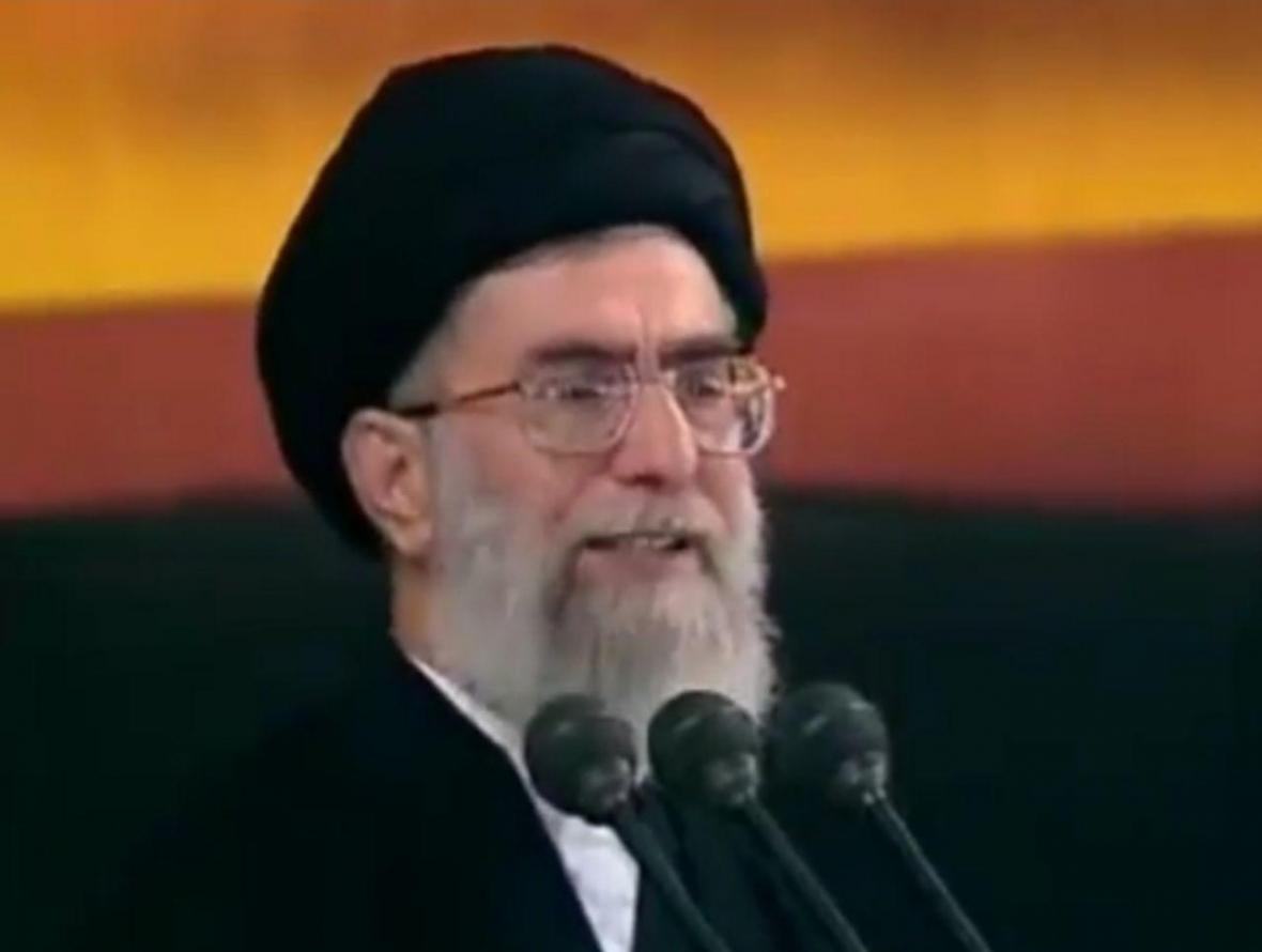 رهبر انقلاب: امام حسین(ع) خواست زبونی را از انسان ها بگیرد