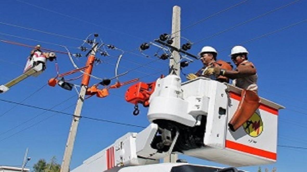 اصلاح شبکه و خطوط برق دو روستای سمنان