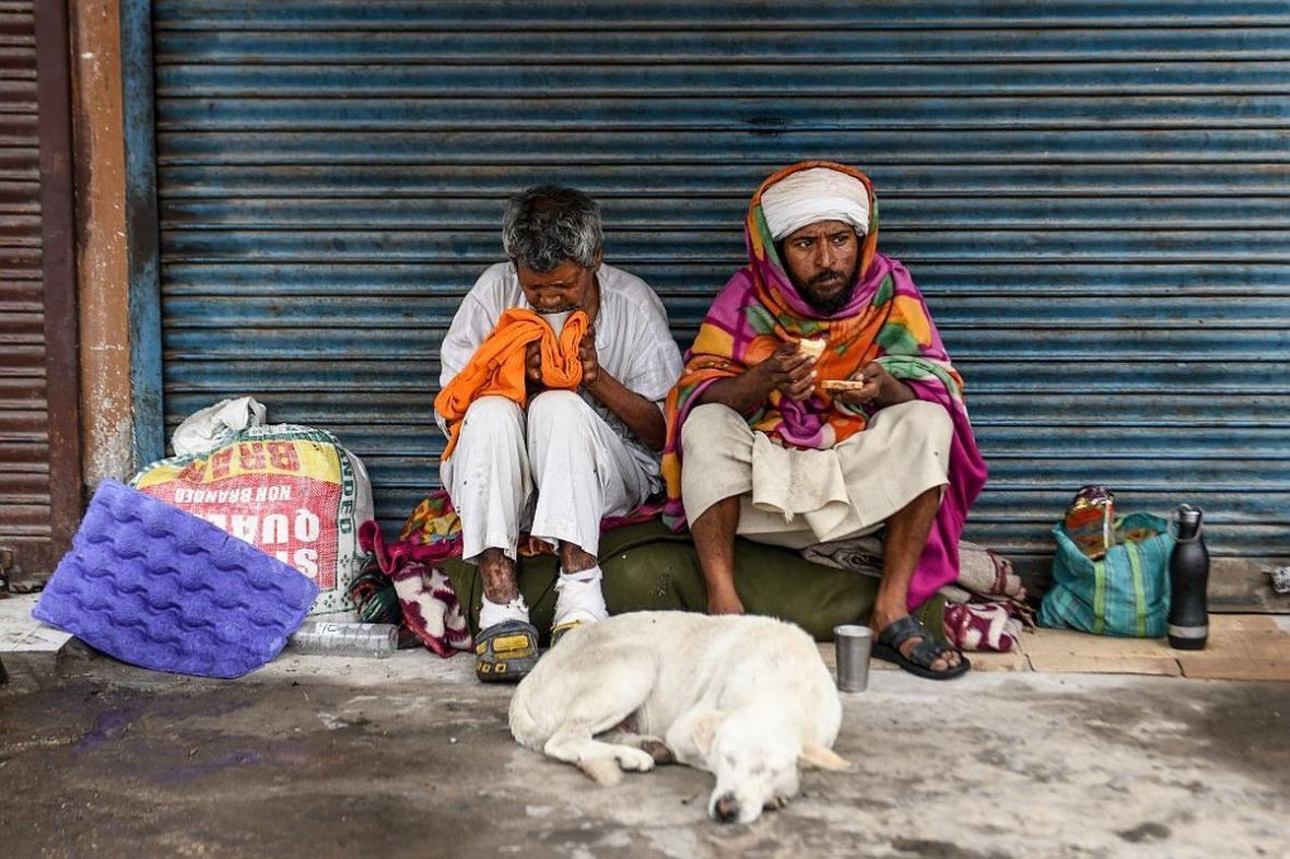 سلمان خان و شاهرخ خان ناجی فقرای هند در دوران کرونا