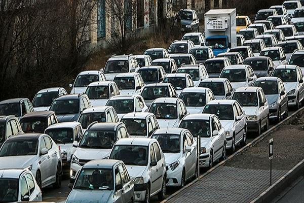 ترافیک سنگین در محور قدیم تهران-بومهن، مردم از سفر غیرضروری پرهیز نمایند
