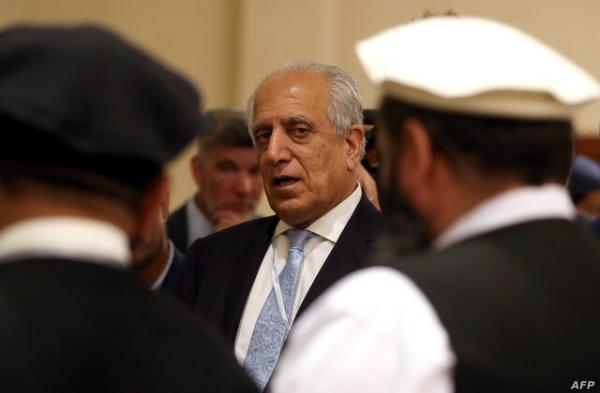 خلیل زاد: دولت افغانستان و طالبان فرایند مذاکرات را تسریع بخشند