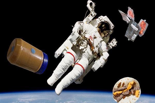 7 غذایی که در سفرهای فضایی ممنوع است