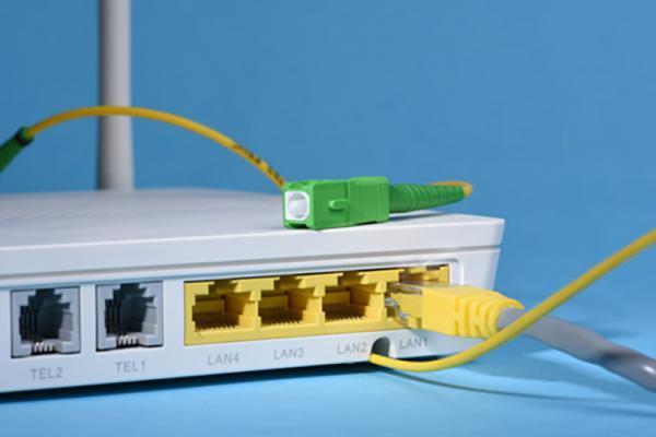 برای استفاده از اینترنت فیبرنوری احتیاج به خط تلفن ثابت داریم؟
