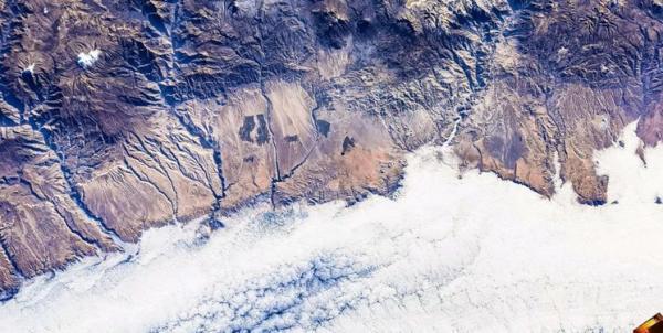 تصاویر خیره کننده از دریاچه های زمین، دریاچه ارومیه از نگاه فضانورد چینی