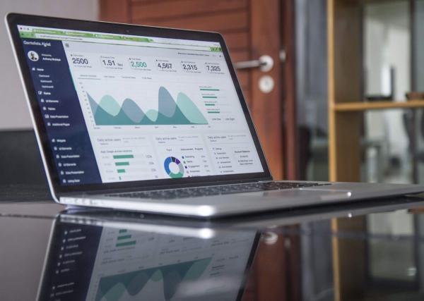 چگونه برای کسب وکار خود برترین نرم افزار حسابداری را انتخاب کنیم